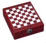 Vánoční dárková krabička ŠACHY + 5 vinařských pomůcek