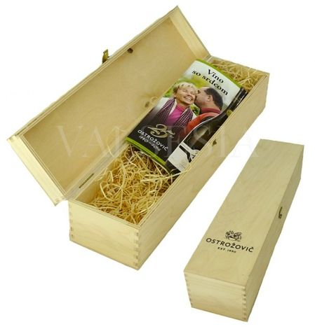 Dřevěná dárková kazeta s logem J & J Ostrožovič na 1 láhev